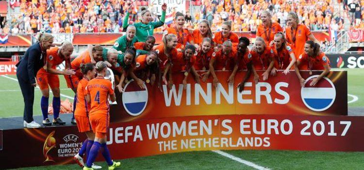 Soccer Football - Netherlands vs Denmark - Women's Euro 2017 Final - Enschede, Netherlands - August 6, 2017   Netherlands celebrate winning the Women's Euro 2017 Final   REUTERS/Yves Herman