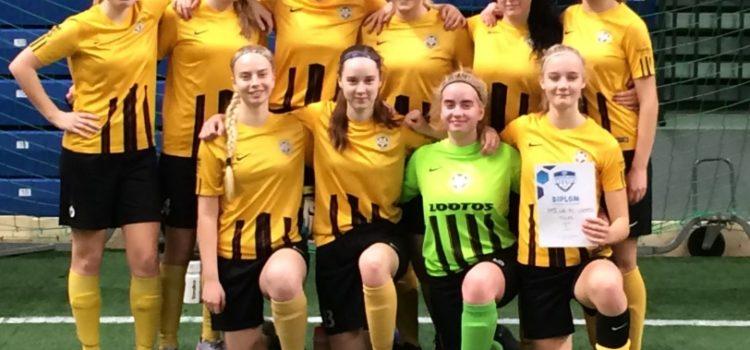 10e5d68c2ee U17 tüdrukud võitsid EJL Aastalõputurniiri – FC Lootos jalgpalliklubi